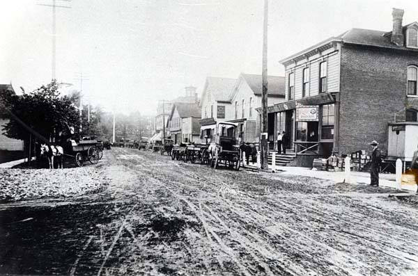Muddy Lincoln Avenue, looking south from St. Peter's Church, about 1890